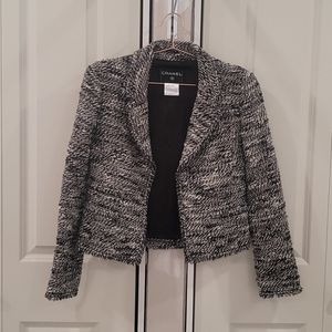 Authentic chanel hidden chain tweed boucle jacket